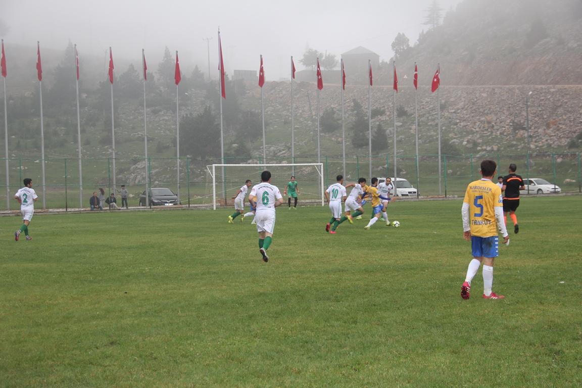 Karaisalı'da Futbol Şöleni Başladı
